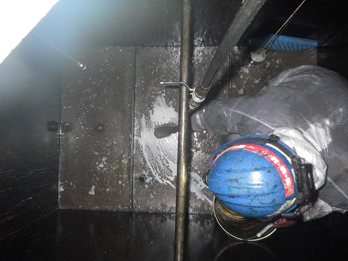 2KL潤滑油サービスタンク及び配管脱脂洗浄工事