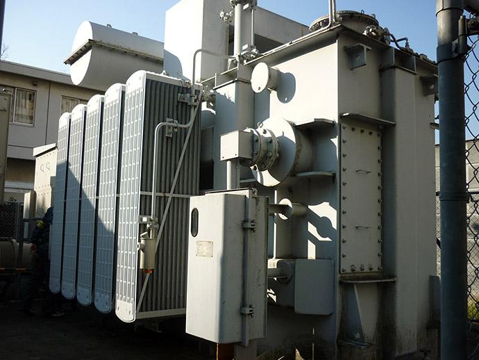 特別高圧用変圧器からの抜油、及び撤去工事